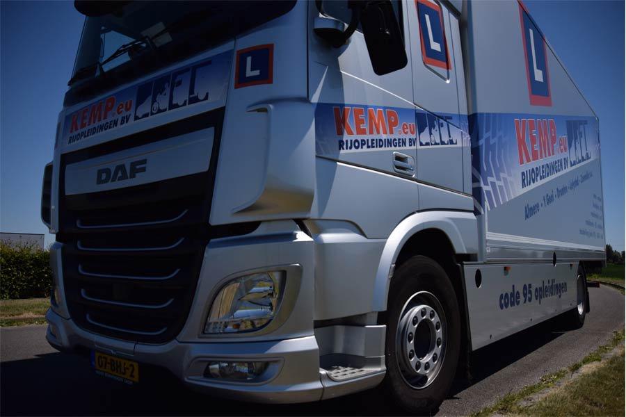 Rijd Zelf In Een Vrachtwagen