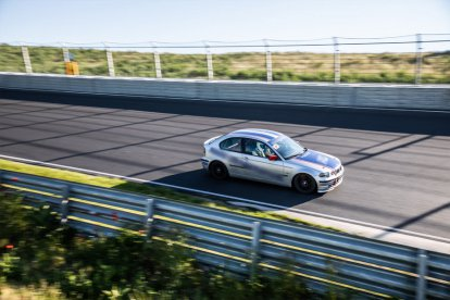 Racen over een circuit naar keuze