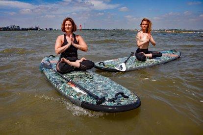 Sup en Yoga op het water