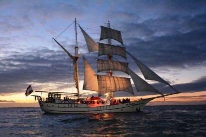 Sunset Cruise op een luxe zeilschip Lelystad