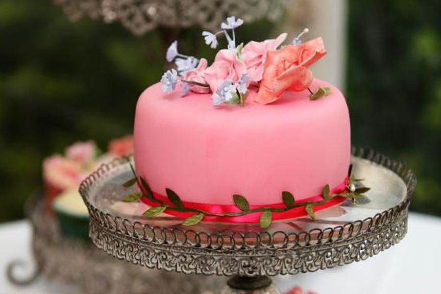 Workshop taarten versieren leer zelf hoe je een taart for Versiering taart zelf maken