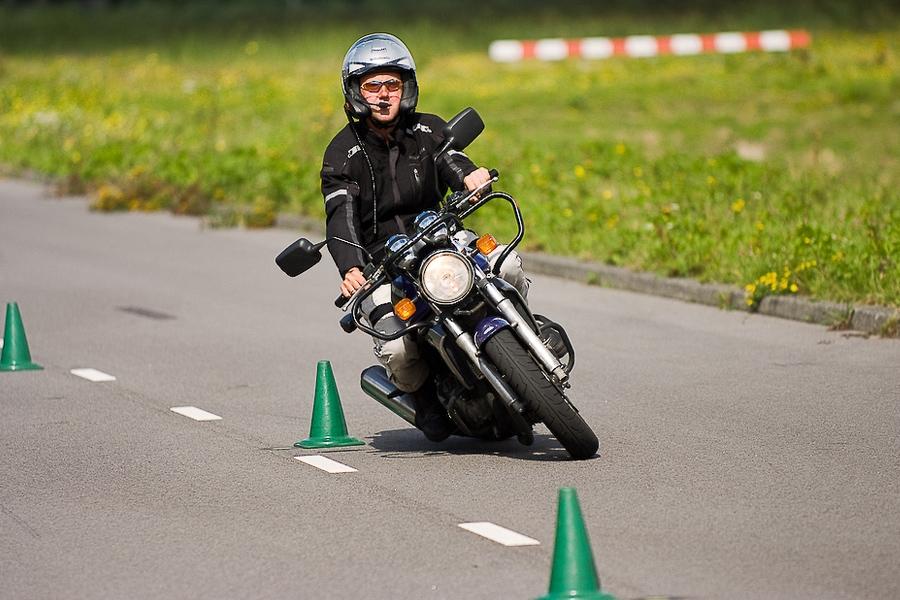 Stoere uitdaging motorrijden zonder rijbewijs