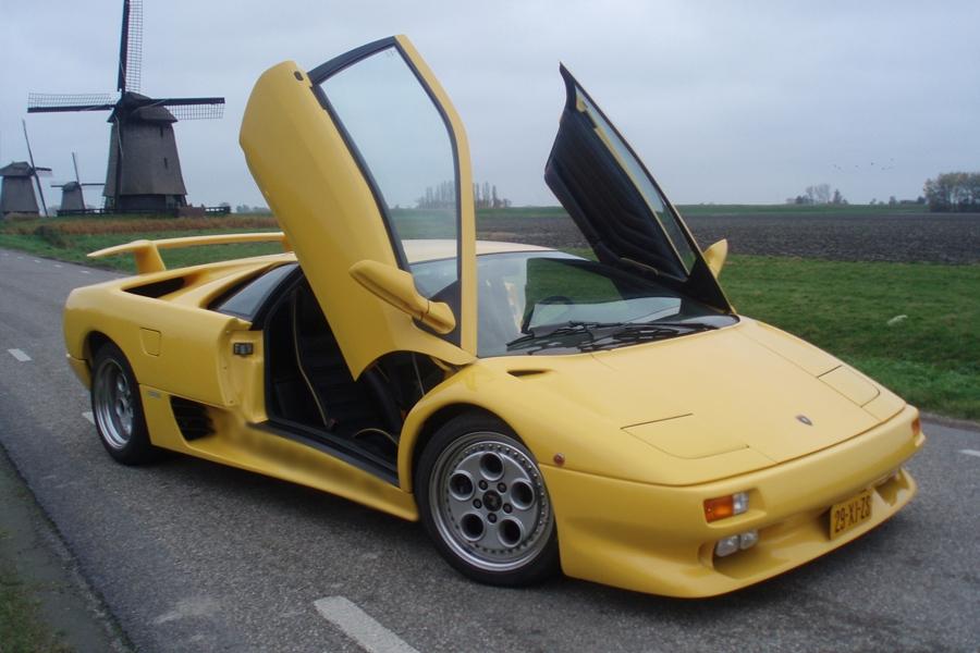 Bestuur Zelf Een Lamborghini