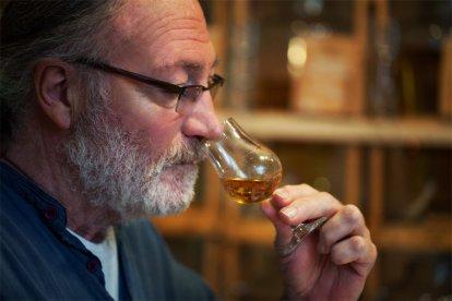 Ben je een liefhebber van whisky's en zou je graag eens nieuwe whisky's leren kennen? Of wil je gewoon eens kennismaken met whisky en leren genieten van de smaak en de geur van deze heerlijke drank? Dat kan tijdens deze fantastische whisky proeverij, waarbij je 6 whisky's proeft.